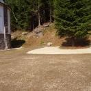Urovnaný terén, vysetý trávník